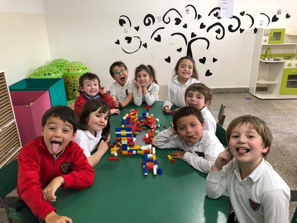 Construcciones con rastis en grupos